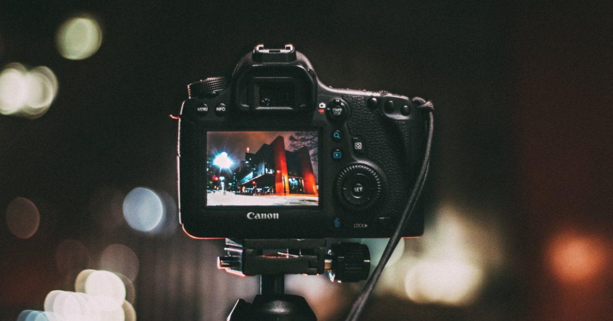 Na jakie akcesoria warto zwrócić uwagę, jeśli myślisz o fotografii na poważnie?